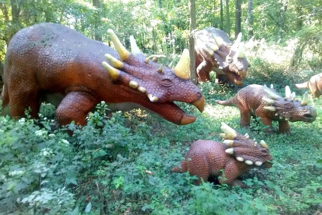 Dinosaur World Cave City Kentucky Review Just Brennon