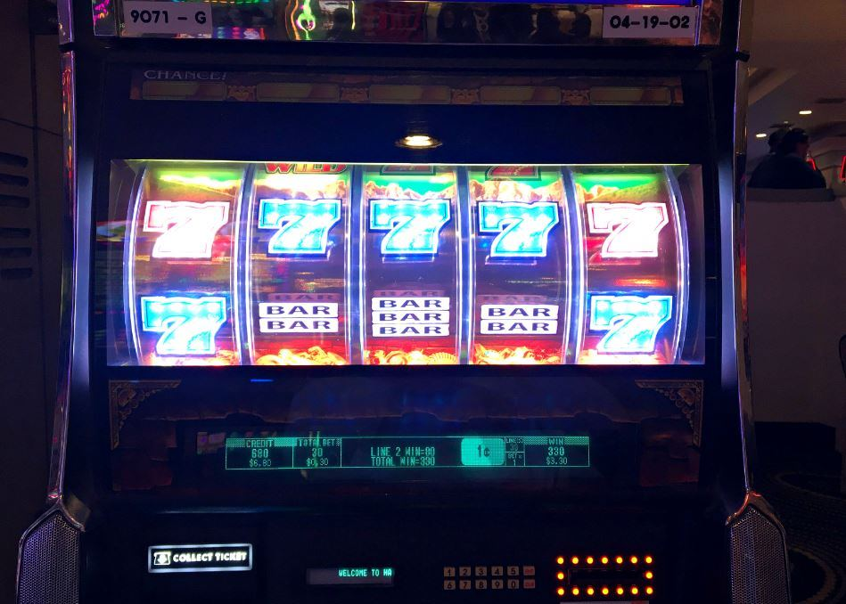 how to win big money at the casino